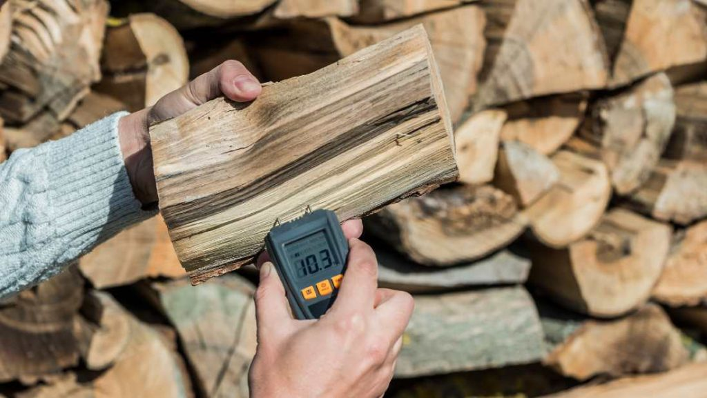 measuring the humidity of firewood